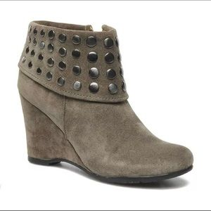 Bussola Enna Studded Cuffed Wedge Booties Size 40